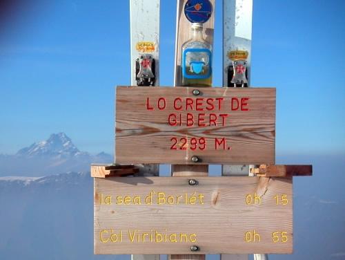 In vetta svettano le croci occitane...................