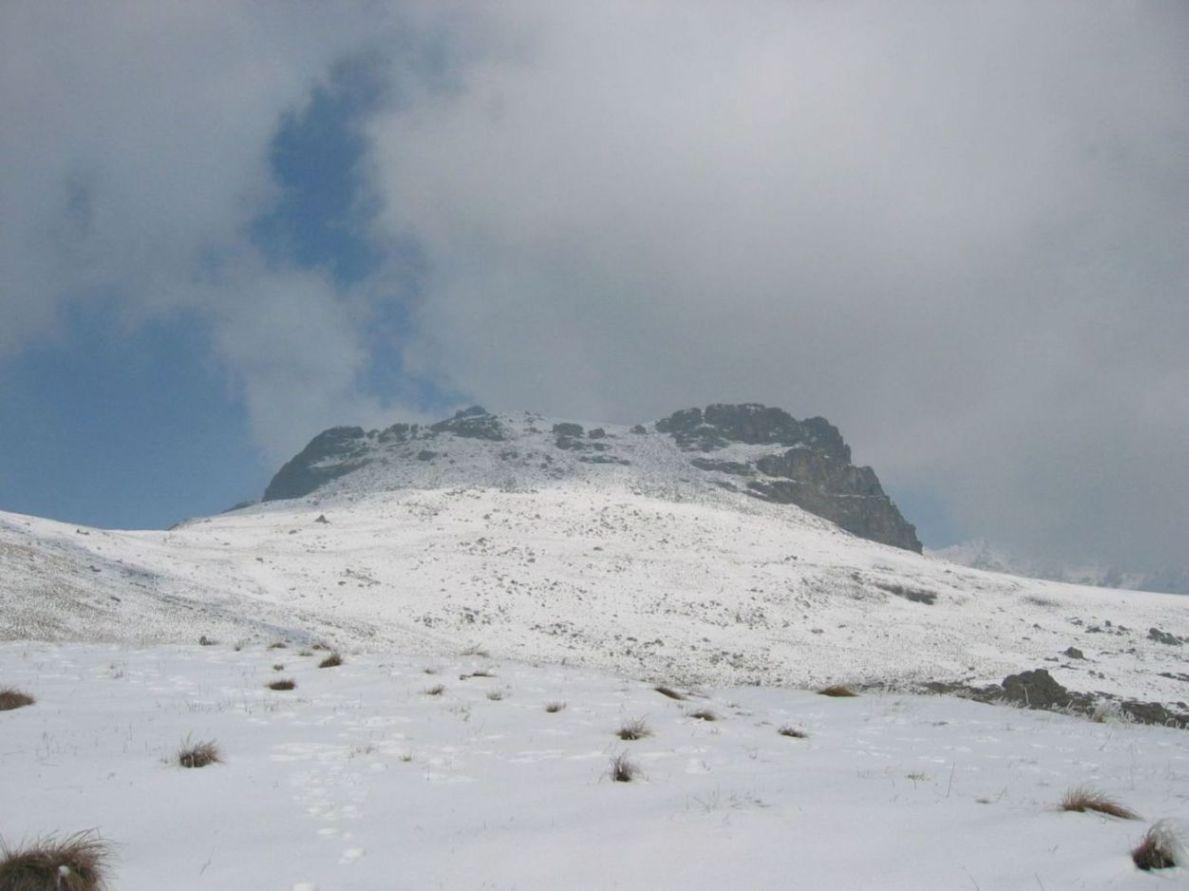 Panorama preso A. Tulivit, poco sotto Rocca Patanua