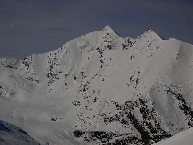 Grande Sassière (Aiguille de la) da Usellieres per il Rifugio Bezzi e Parete NE 2005-04-30
