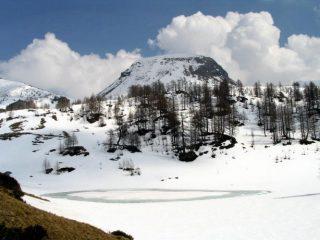 Lago e Monte Sangiatto nei pressi dell'alpeggio