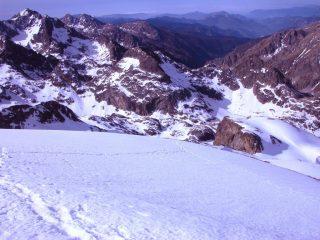 Il Vallon de la Gordolasque visto dalla cima (22-5-2005)
