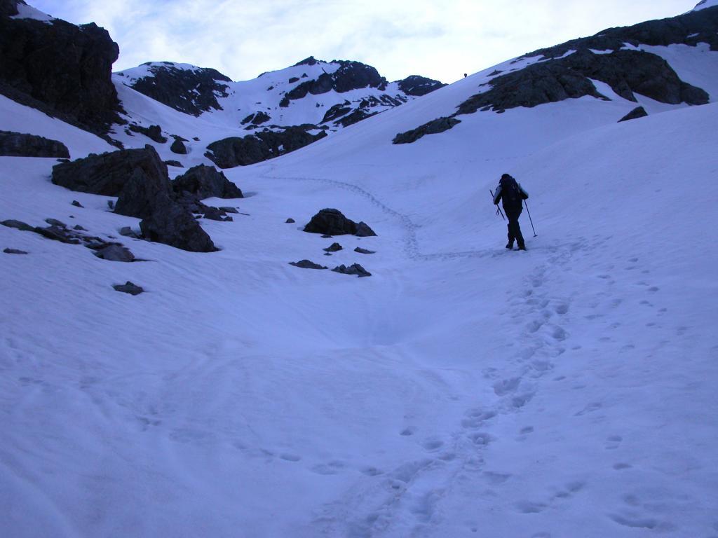 salendo il primo tratto del versante Ovest del Monte Clapier (22-5-2005)