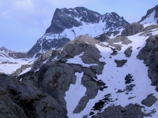 Mont Chamineyes m. 2921 visto dal Refuge de Nice (21-5-2005)
