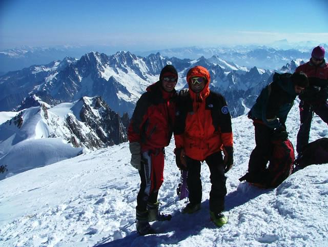 Io e Roberto in vetta al Monte Bianco