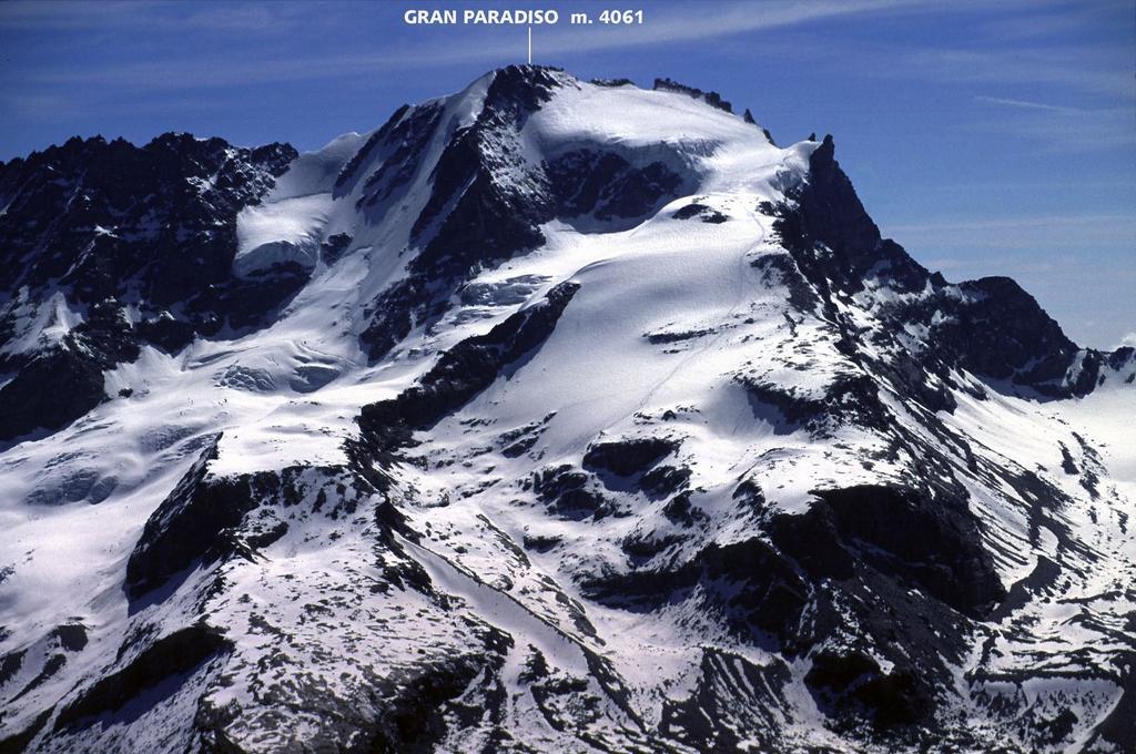 panorami dalla cima : Gran Paradiso (5-6-2005)