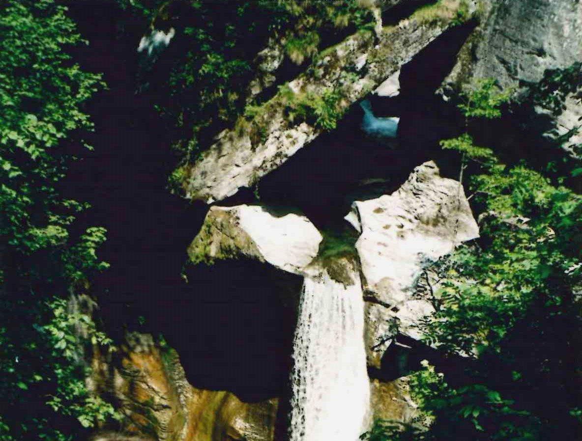 Cascata alle marmitte dei giganti di Croveo