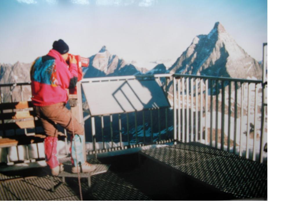 Spiando il Cervino dal Klein Matterhorn