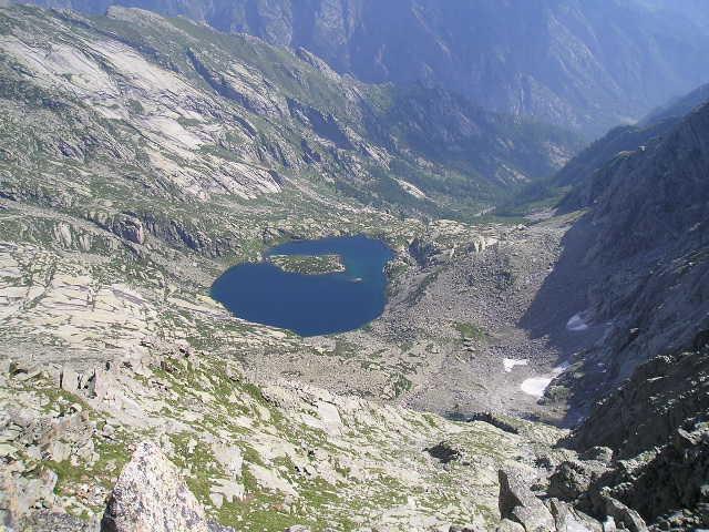 lago lazin dalla cima.