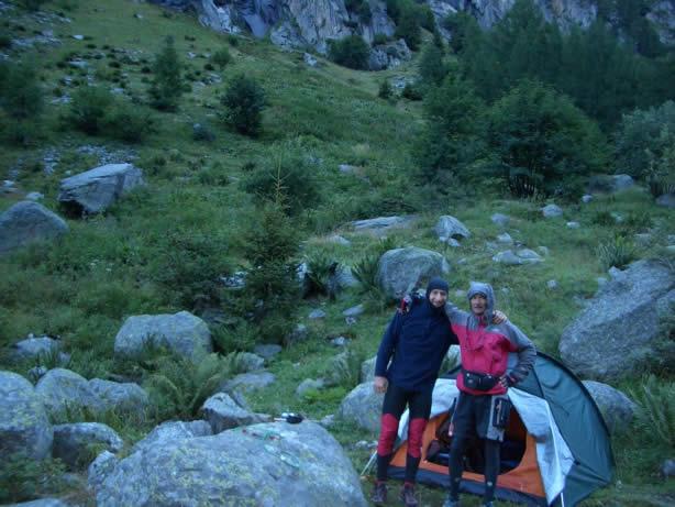 Con Marco allo Chalet des Glaciers (con tenda e mtb dentro)