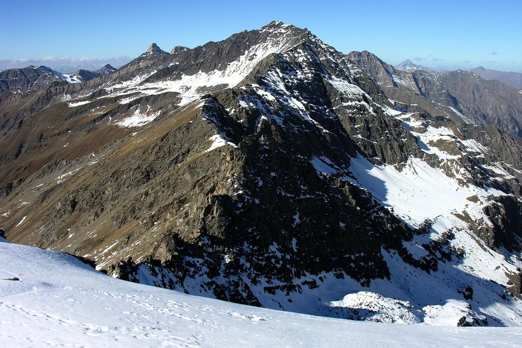 panorami dalla cima : Monte Aiguillette (30-10-2005)