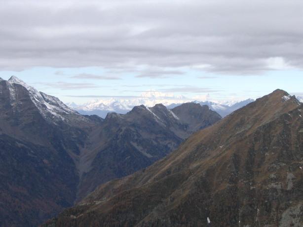 Il Monte Rosa in lontananza