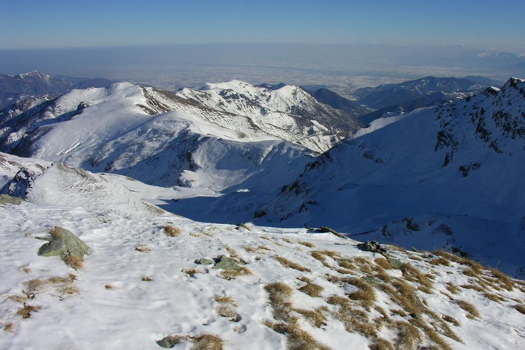 panorami dalla cima : la Valle Grana e la Pianura di Cuneo (11-12-2005)