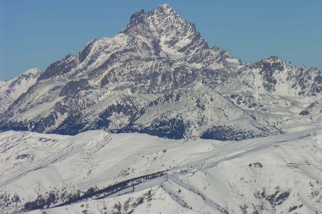panorami dalla cima : onnipresente Monviso ! (11-12-2005)
