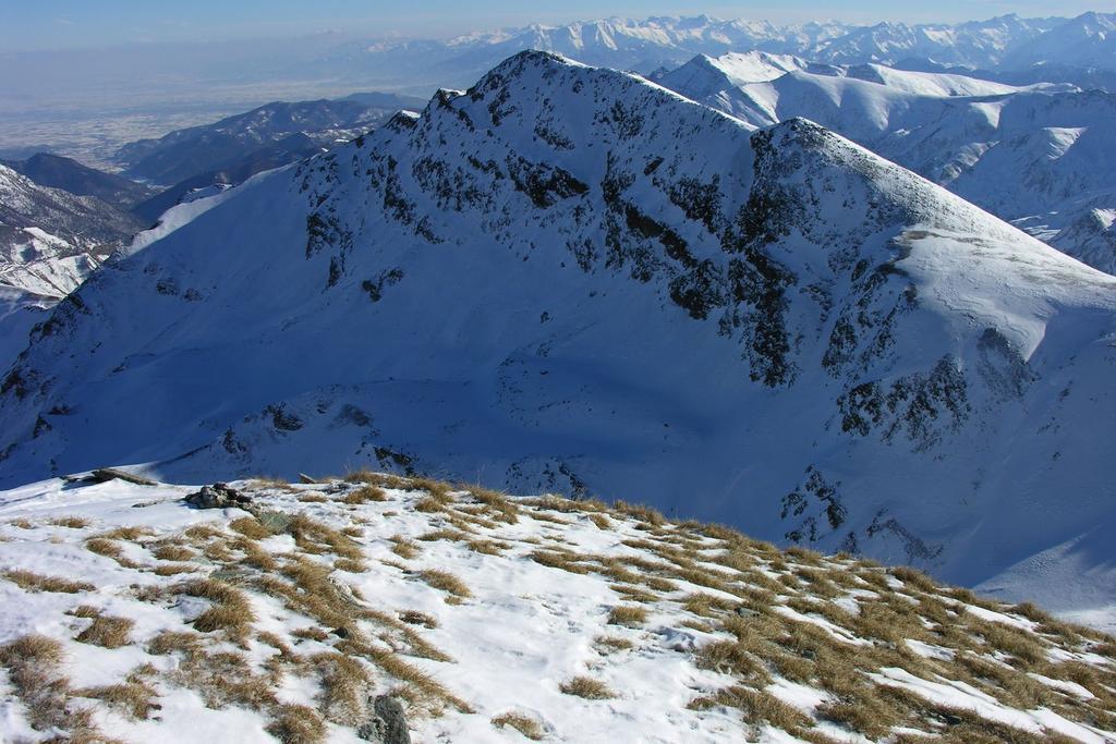 panorami dalla cima : Monte Tibert (11-12-2005)