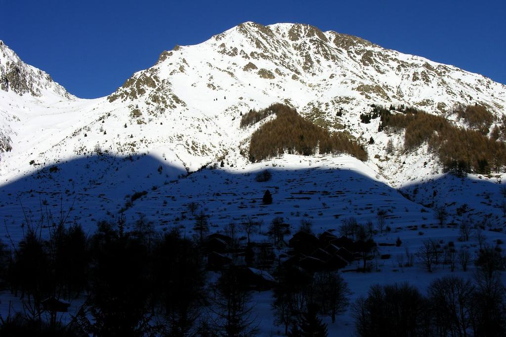 Monte Saletta, visto dalla stradina che porta al Rifugio del Laus