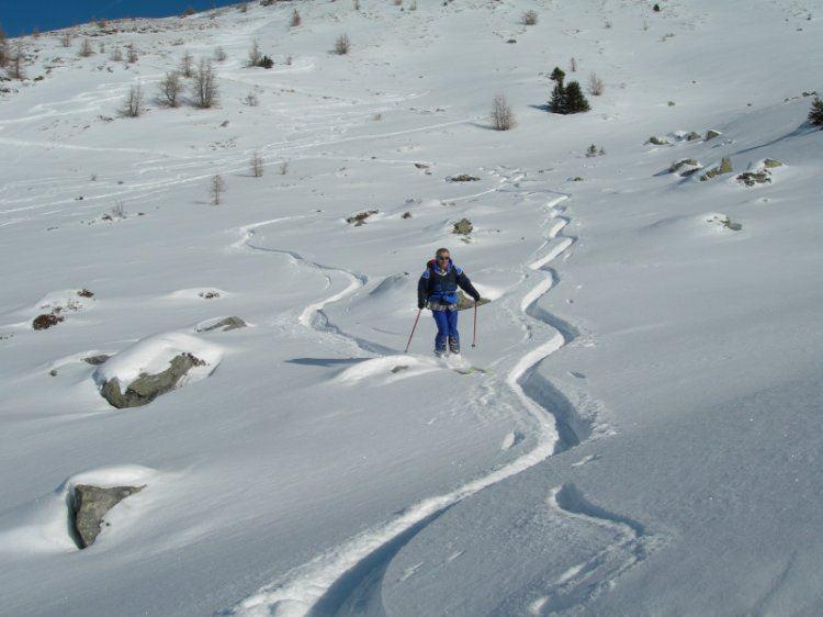 la parte alta dell'itinerario, neve bella ma attenzione alle pietre nascoste