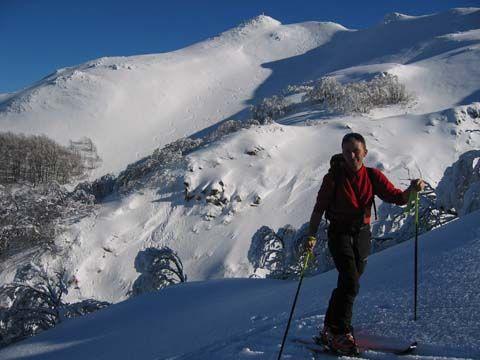 Rondinaio Lombardo (Monte) e Monte Rondinaio dal Lago Santo Modenese per il Lago Baccio 2006-01-12