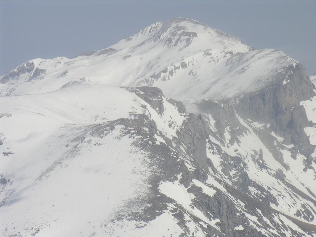 panorami dalla cima : il Mongioie (12-3-2006)