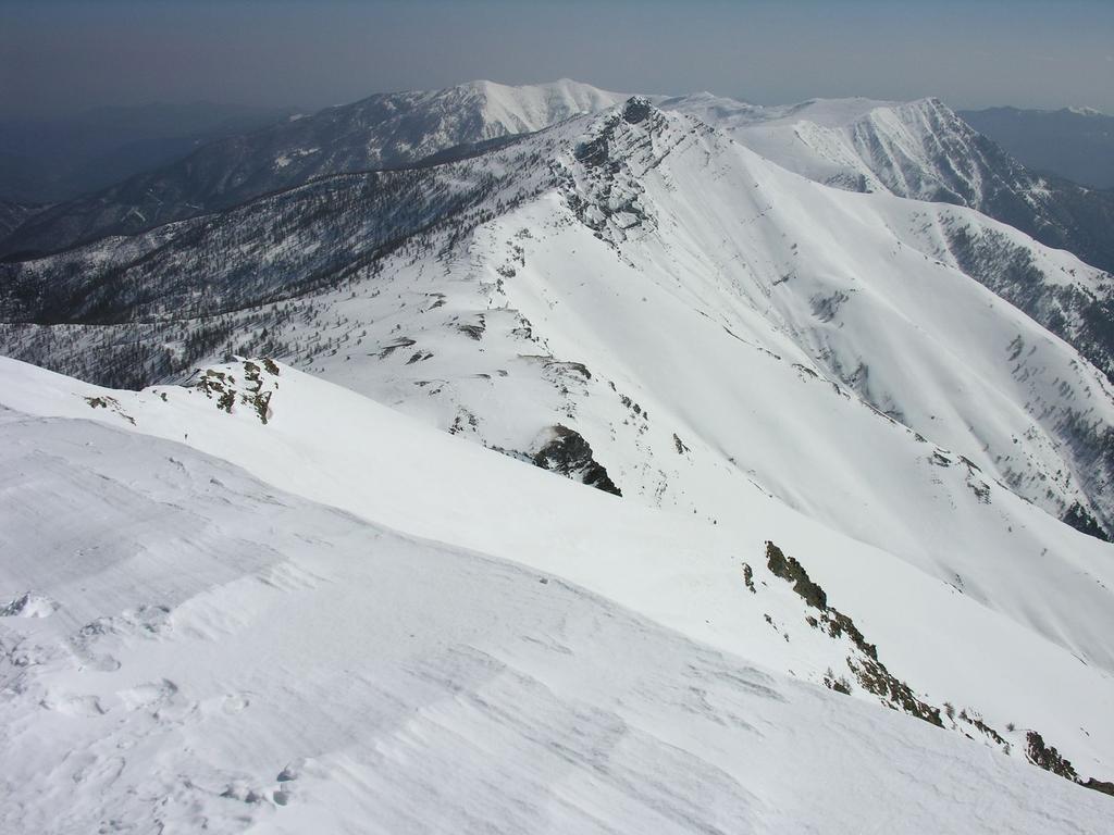 panorami dalla cima : dalla Cima Missun al Saccarello (12-3-2006)