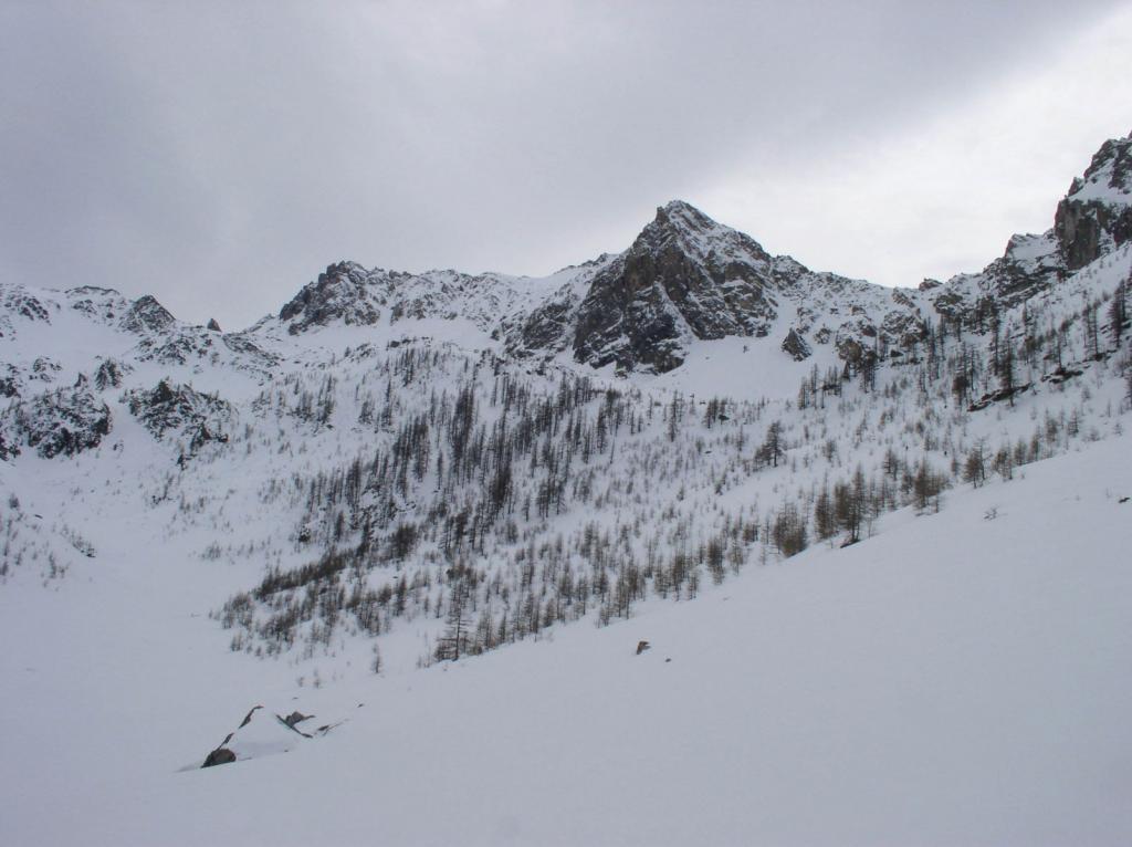 Versante nord Becco Grande, a sinistra il colletto proveniente dal Colle del Mulo