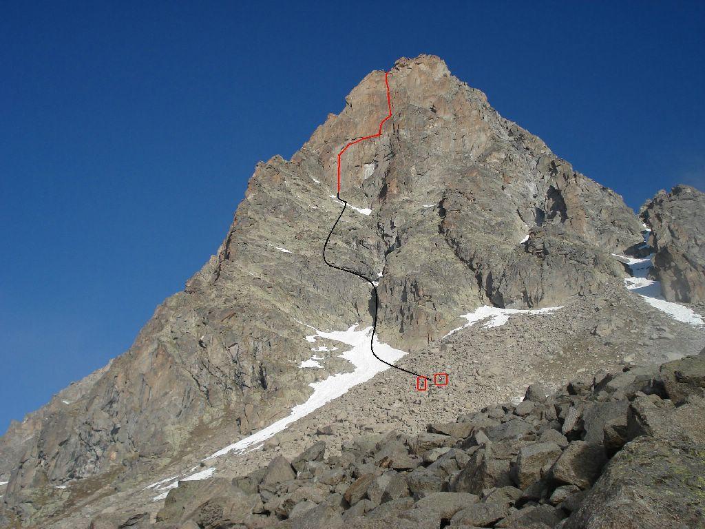 in nero la traccia sullo zoccolo / in rosso la linea di salita