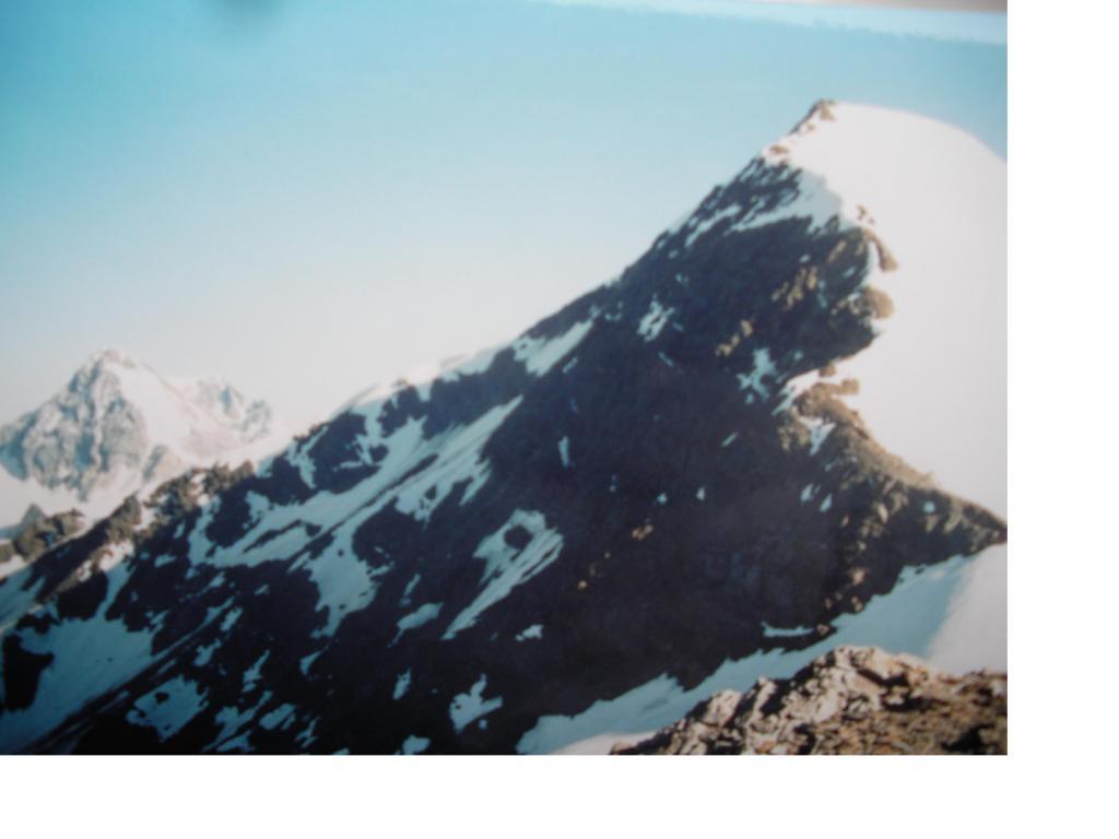 Ancora il Gran Zebru' con in primo piano il Cevedale..andando alla Rosole...