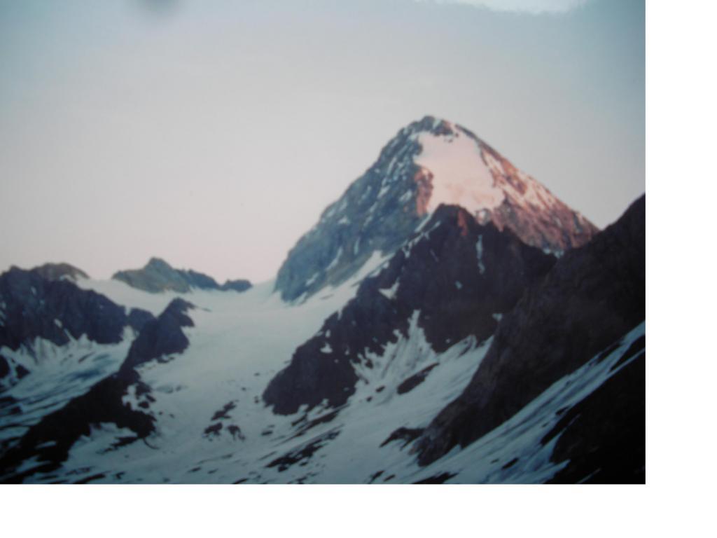 Il Gran Zebru' all'alba...salendo al Cevedale