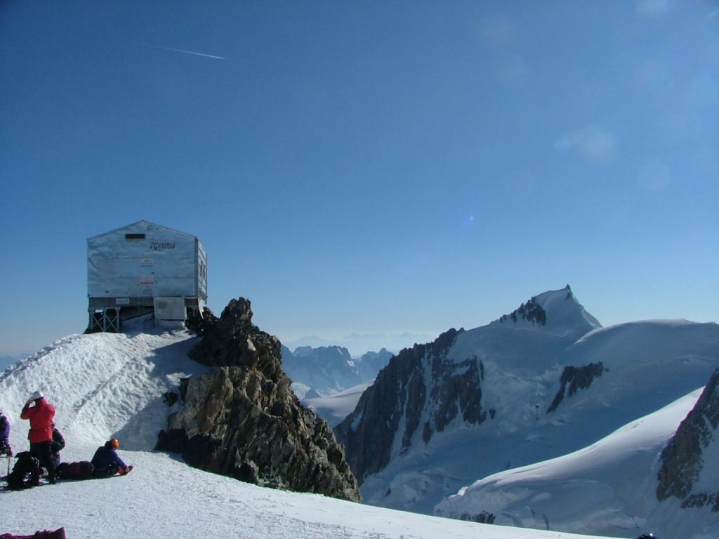 capanna vallott 4362 mt al dome du gouter 4304 mt