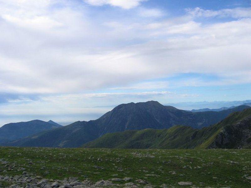 Dalla vetta, vista sul Civrari verso la Val Susa
