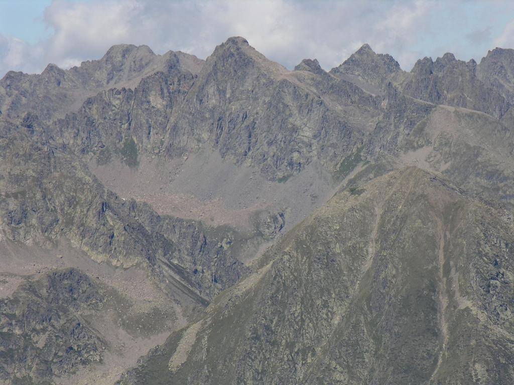 panorami osservati dalla cima : Gruppo Becco Alto di Ischiator - Corborant (20-8-2006)
