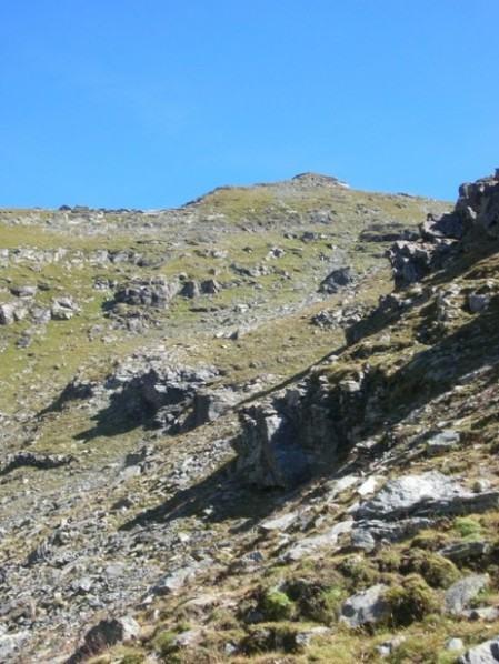 La punta Rocca Nera e la via di salita dal lago Ciardonnet