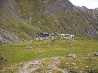 il rifugio M.Bezzi dai piani di Vaudet