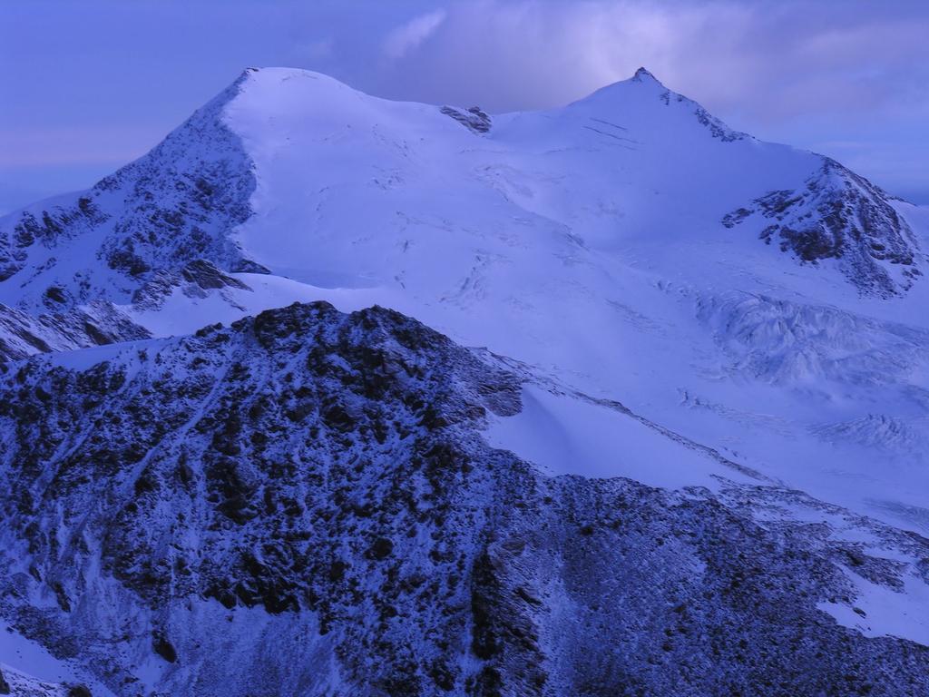 panorami dalla cima del Monte Vioz : Monte Cevedale (27-8-2006)