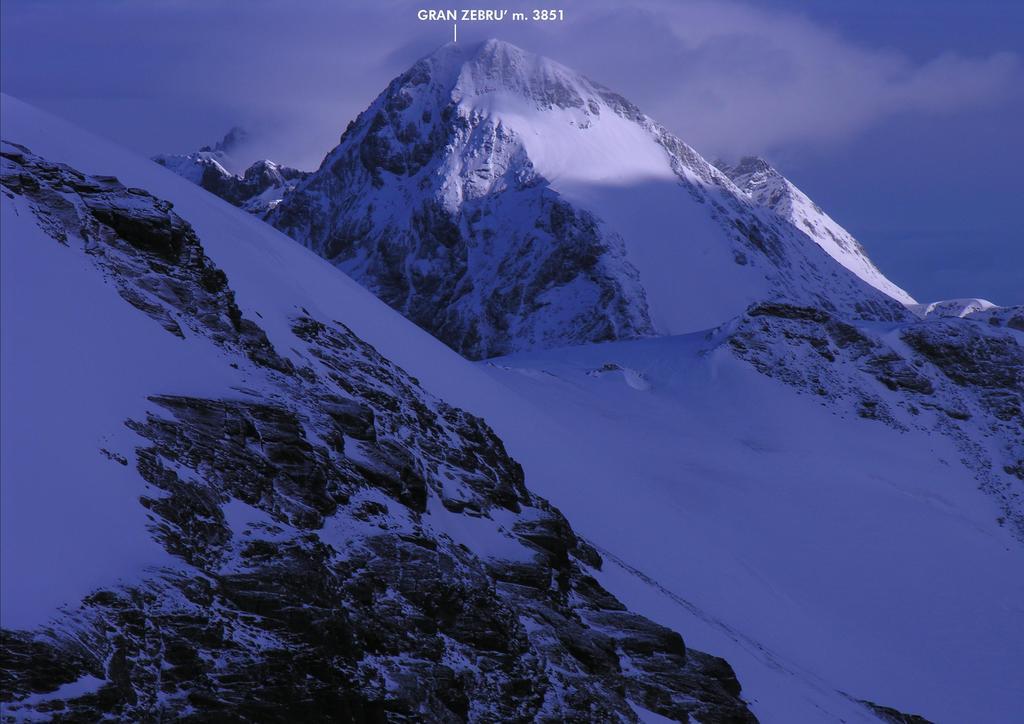 panorami dalla vetta del Monte Vioz...01 (27-8-2006)