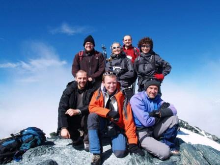 foto di gruppo in vetta