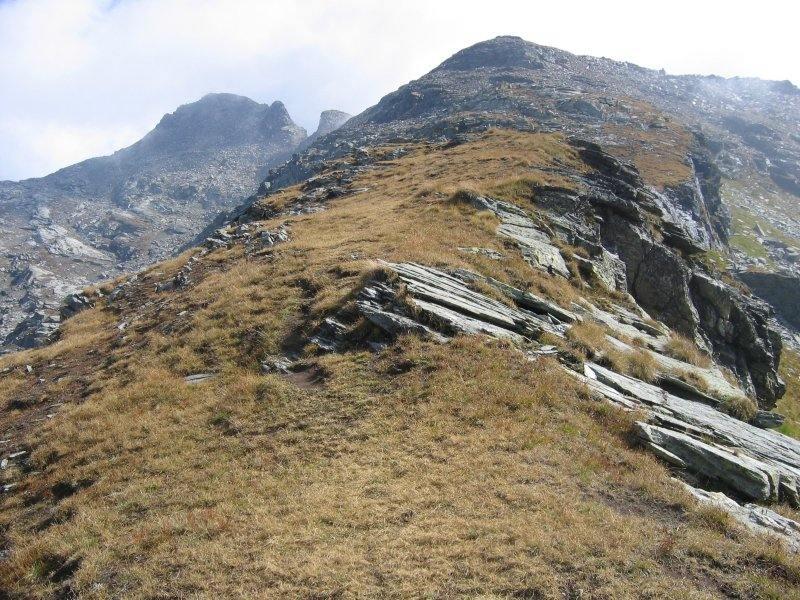 La cresta sud ovest con la vetta sullo sfondo