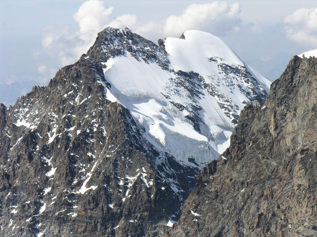 panorami dalla cima : Pizzo Roseg m. 3937 (10-9-2006)