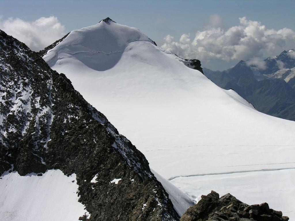 panorami dalla cima : Pizzo Argent m. 3945 (10-9-2006)