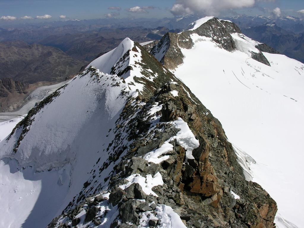 panorami dalla cima : la cresta seguita in salita e il Pizzo Palù (10-9-2006)