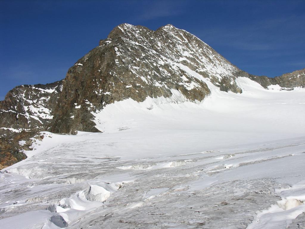 il Pizzo Zupò visto dal Passo del Sasso Rosso (10-9-2006)