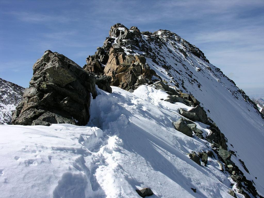 la cresta finale con il tratto di misto verso la cima principale del Bellavista (10-9-2006)