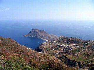 penisola di Capo Graziano scendendo dal fossa delle felci