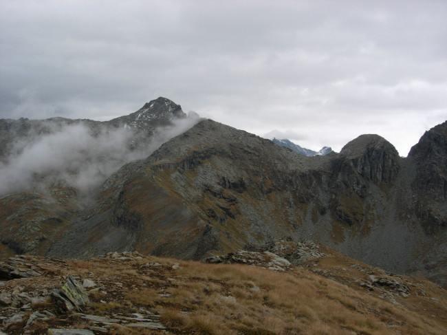 Il Corno Vitello e il tratto alto dell'itinerario, fotografato dalla punta Palasina