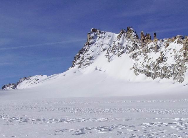 La Becca vista dal ghiacciaio di Tsasset