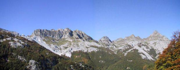 Vista su Cavallo, Contrario, Pizzo Altare, Zucchi di Cardeto e Pisanino