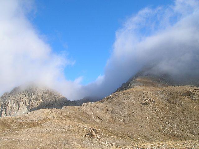 a dx la cresta dei rochers carniers (ma la nebbia avanza)