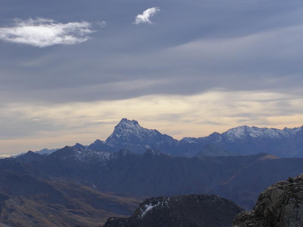 Panorama verso Monviso, luci suggestive