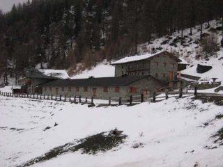 Il rifugio Chaligne. Da qui la neve comincia...