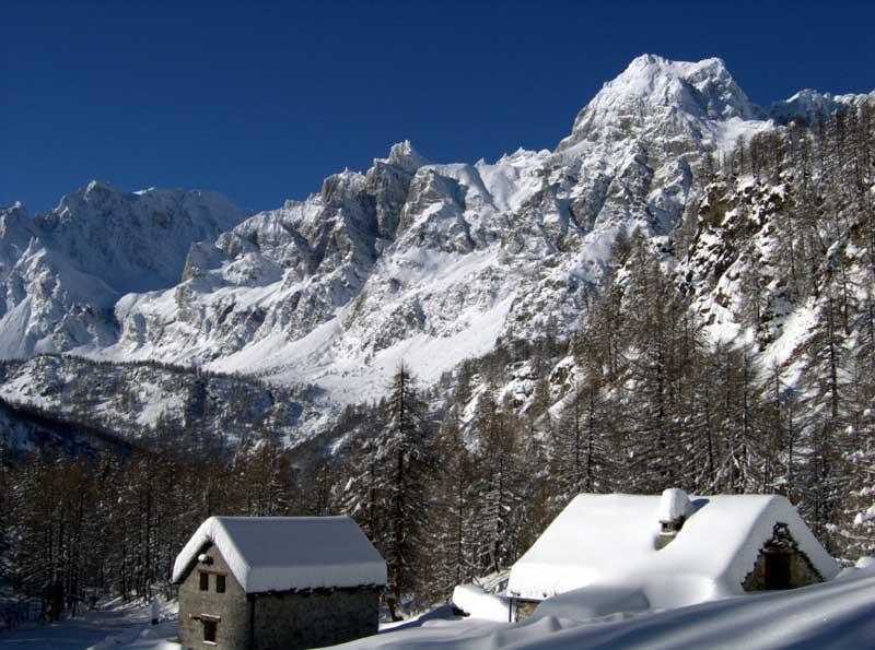 Corte d'Ardui e il Cervandone sommersi dalla neve