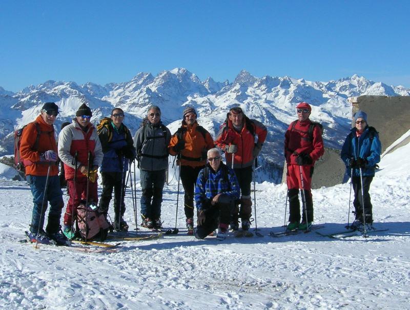 foto del gruppo in punta nei pressi del Forte Gondran